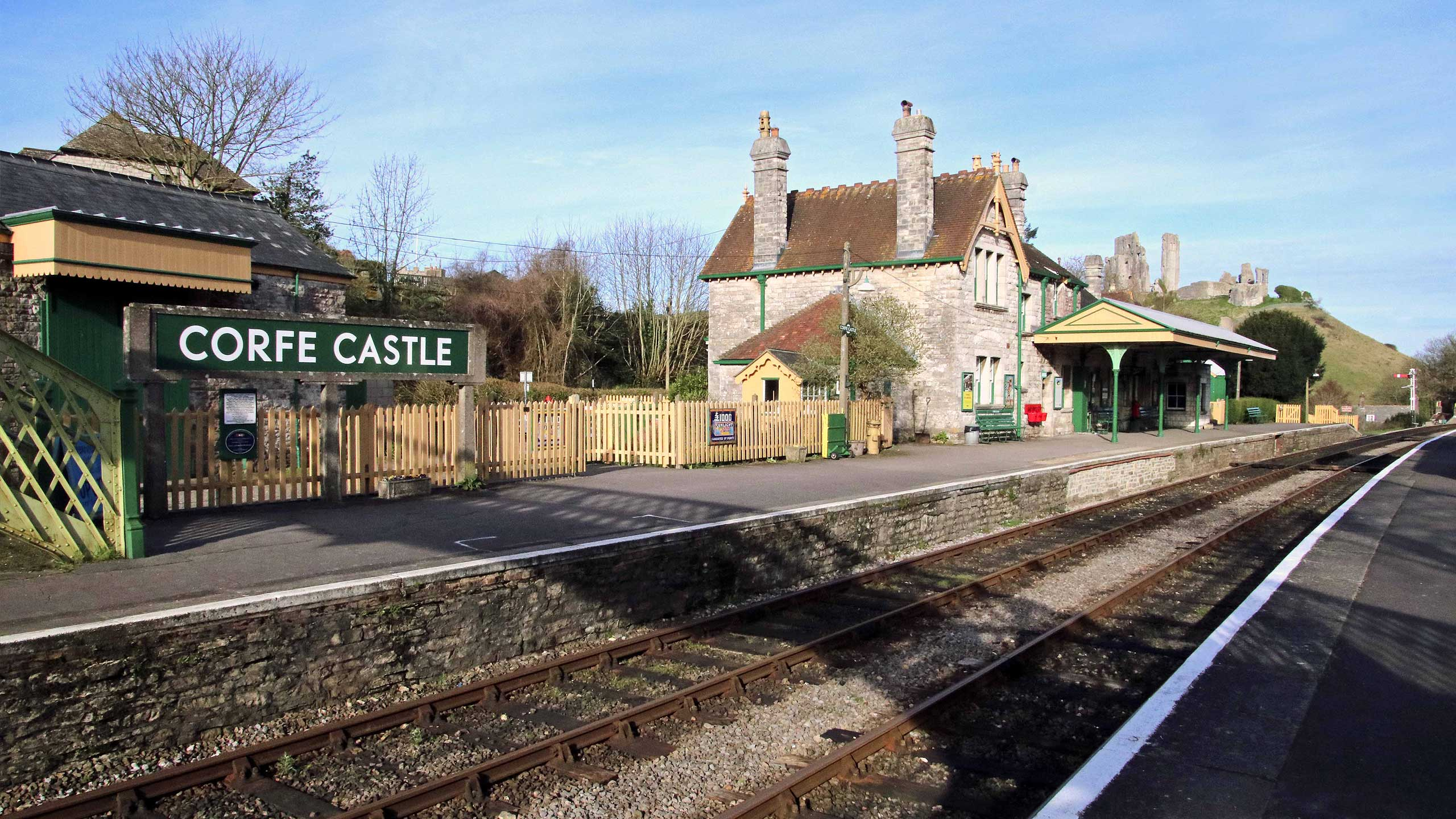 Purbeck Community Rail Partnership Sliding Banner Corfe Castle Railway Station 09 2560x1440px