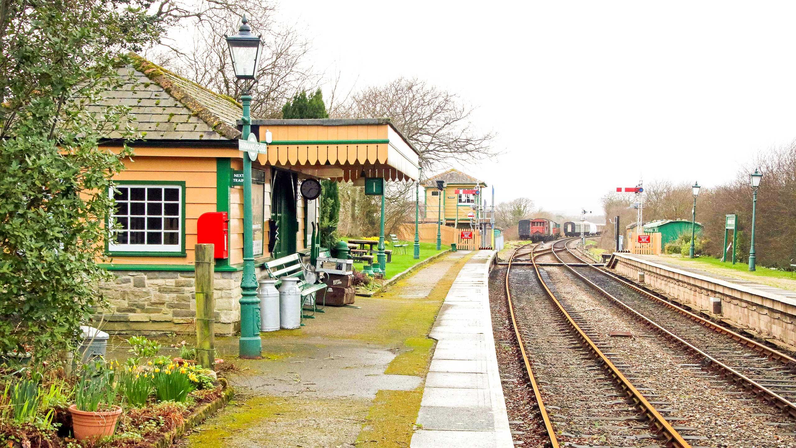 Purbeck Community Rail Partnership Sliding Banner Harmans Cross Railway Station 13 2560x1440px