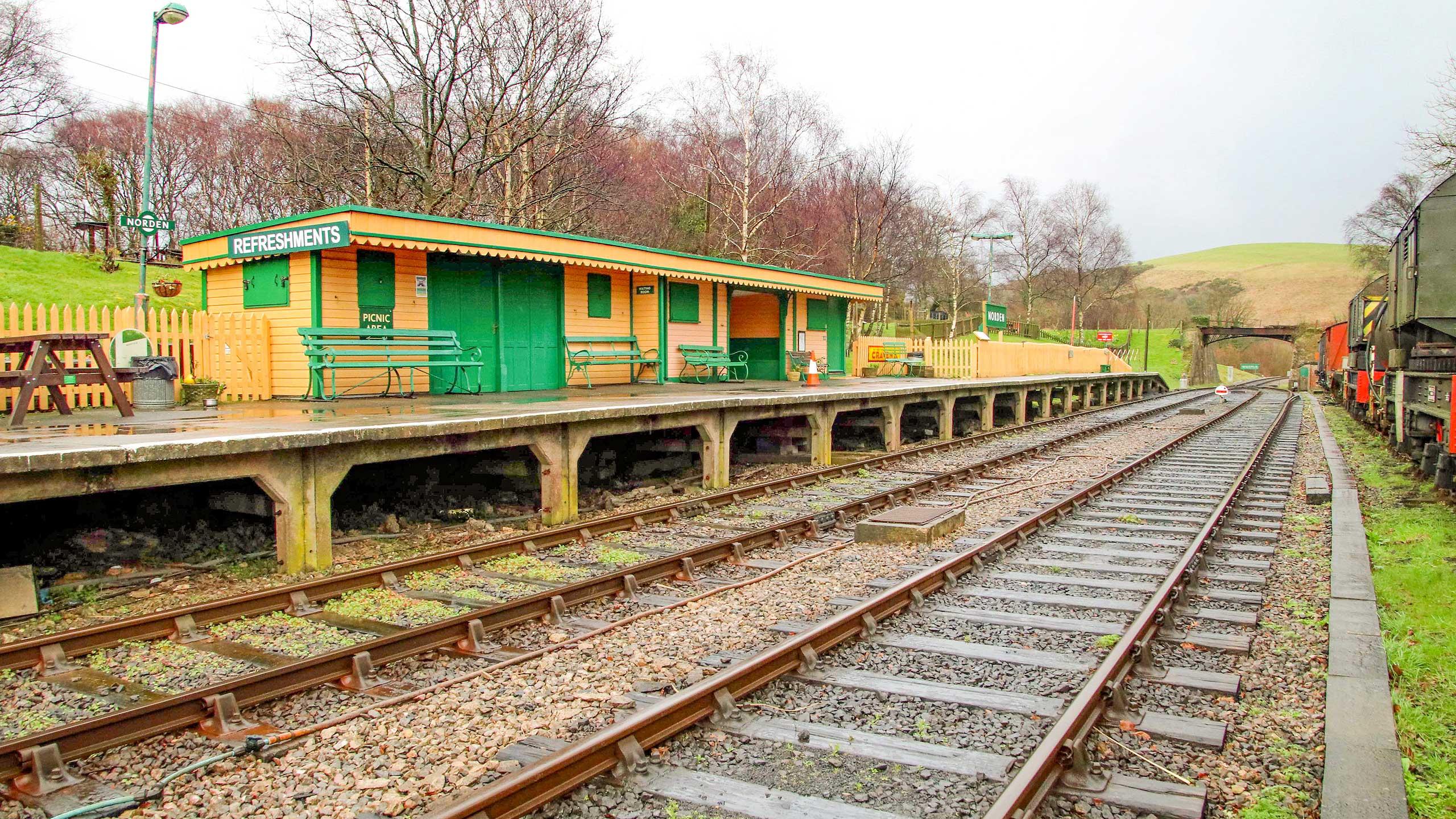 Purbeck Community Rail Partnership Sliding Banner Norden Railway Station 05 2560x1440px