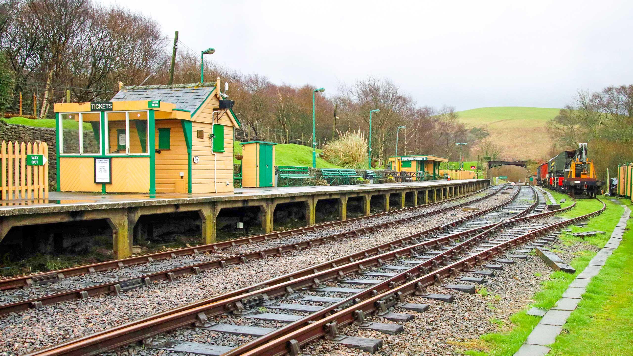 Purbeck Community Rail Partnership Sliding Banner Norden Railway Station 07 2560x1440px